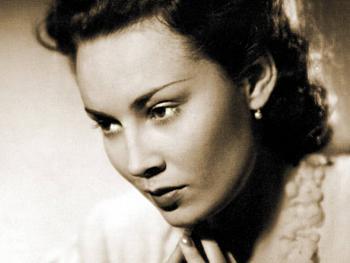 A musím také podotknout nejznámější, jelikož v Praze se narodilo tolik krásných žen, že…vždyť víte. Dámy jsou řazeny podle data narození. Trudy Grosslichtová (23. 2. 1912 – 8. 6. 1995, […]
