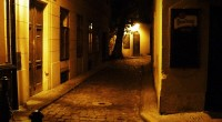"""Všichni určitě znáte Královskou cestu ze Staroměstského náměstí, jménem Karlova ulice. Ulice je lemována hromadou krámků s kýčovinami všeho druhu od ruských matrjošek, po trika s nápisy """"I love Prague"""". […]"""