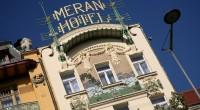 """Krásný útlý hotel Meran se nachází hned vedle mohutného, ale neméně krásného hotelu Evropa v samém srdci Václavského náměstí. Autoři knihy """"Zločin & Vášeň za rady Vacátka"""" před několika letyoprášilivelmi […]"""