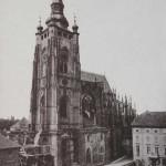 Historické datum: 1881 Na místě zbořené kaple sv. Mořice je lešení, pracuje se na přestavbě přízemí Velké věže katedrály.