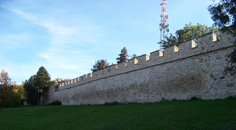 Strahovská_zahrada,_hladová_zeď