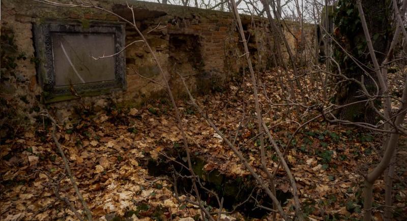 Hřbitov Dříve se pohřbívalo kolem kostela sv. Gottharda, ale v době josefínské, se hlavně z důvodů hygienických rozhodlo, že bude hřbitov přemístěn. V roce 1784 se ještě založení nového hřbitova […]