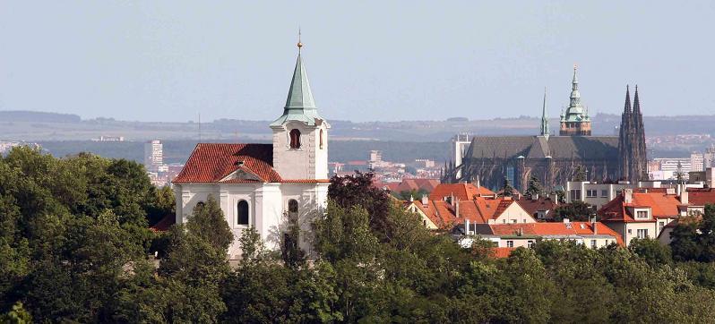 panorama_kostel_sv_mateje_a_prazsky_hrado